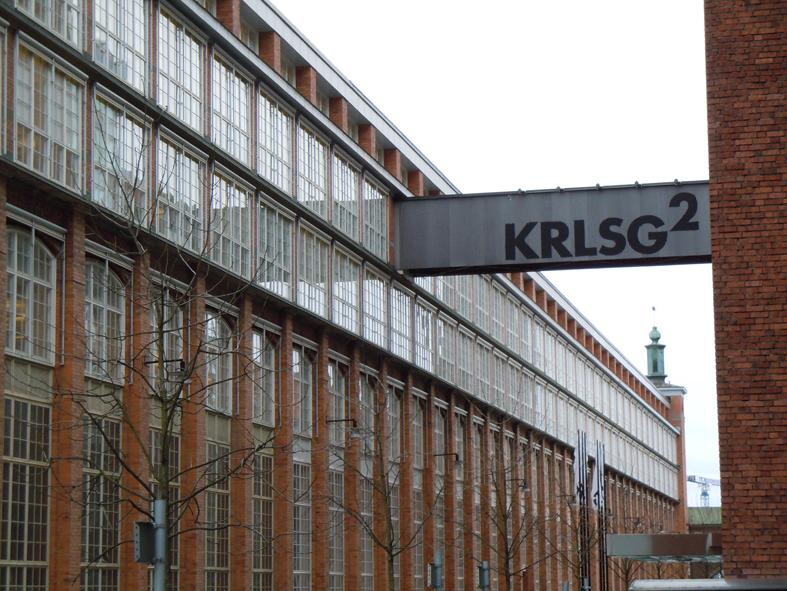 Länsmuseet när man står på Karlsgatan 2 och tittar upp på huset.