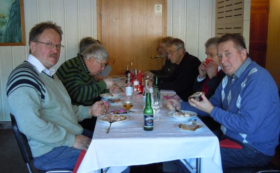 Delar av Ekorådet, närmast t vä Olle Olsson från Ängelsberg, t hö Bertil Andersson från Gravendal.