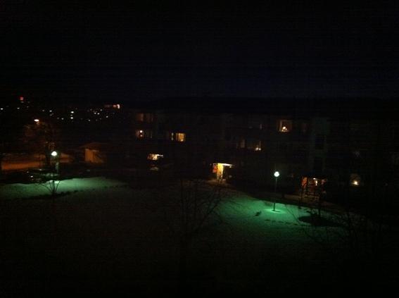 Före…och under. Inte så stor skillnad här i Ludvika i alla fall! Ni ser ABB-skylten som lyser rött till vänster i båda bilderna?? Fotat med min iPhone.
