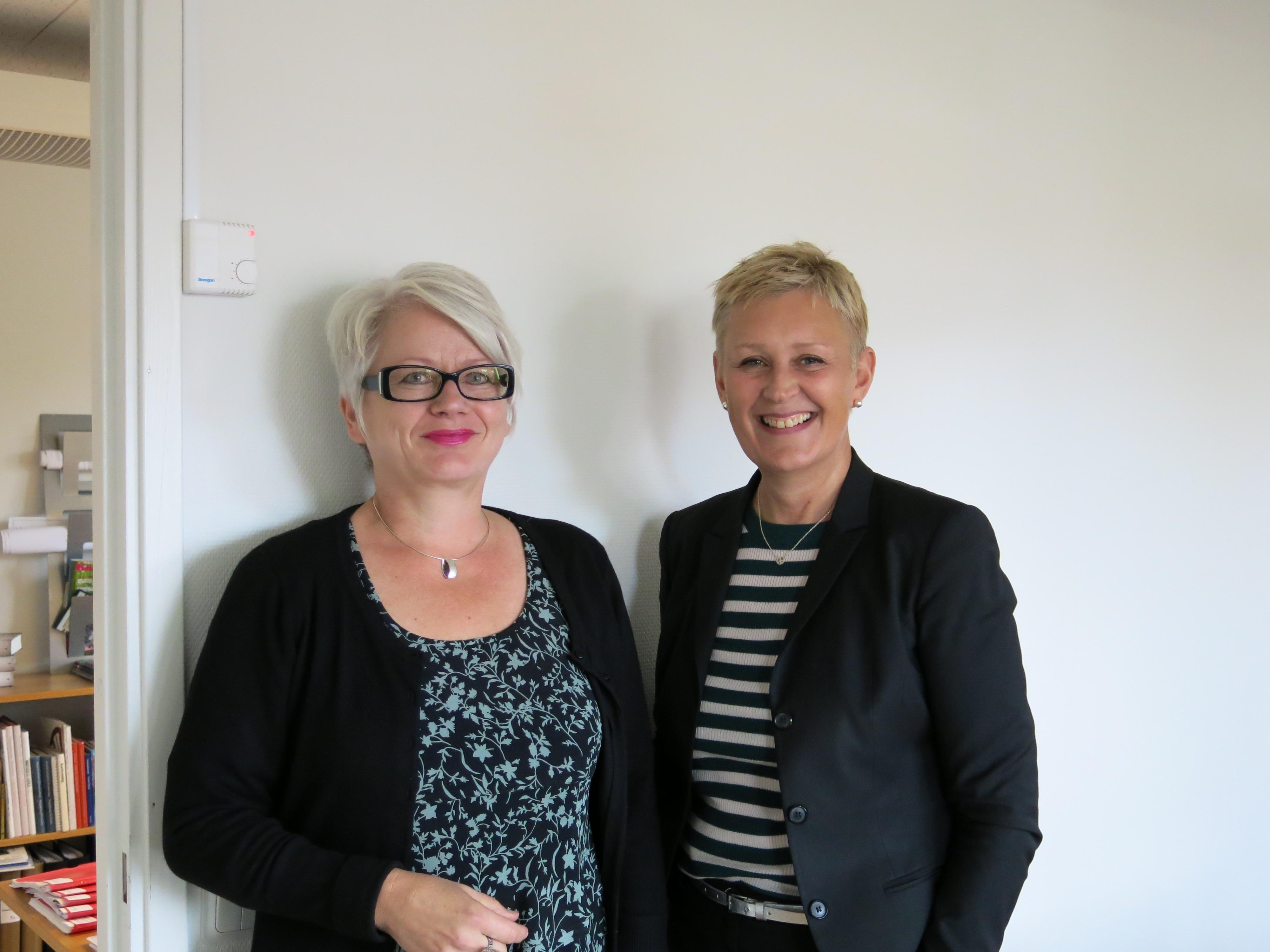 Kulturchef Anne Lehnberg-Halén till höger och Raija Edvinsson som ansvarar för turismen i Fagersta.